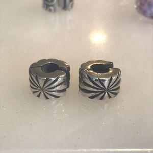 Pandora sunburst clips